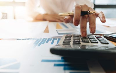 When You Should and Shouldn't Hire an Accountant